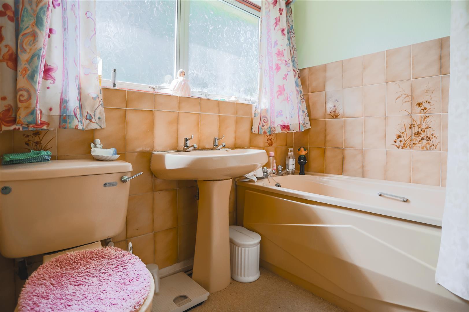 3 Bedroom Detached Bungalow For Sale - Image 8
